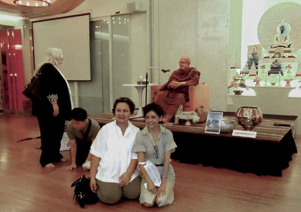 Photo op with Ajahn Tiradhammo