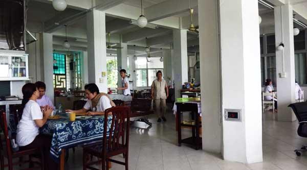 05-Canteen