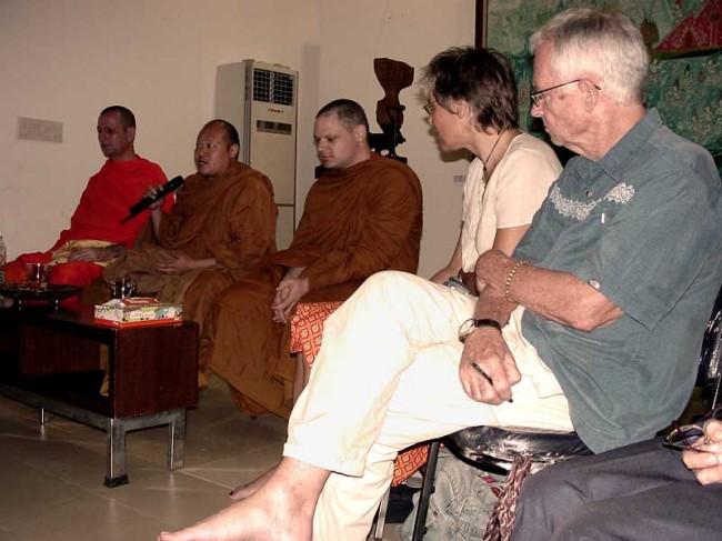 dhamma talk and meditation in Ari area, Bangkok