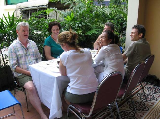 Ariyasom - lunch during the meditation workshop with Ajahn Wimoak