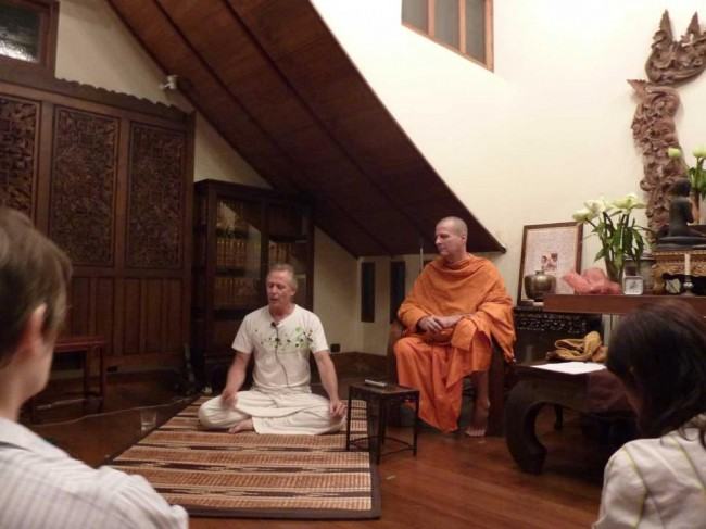 jeff oliver teaching meditation in Bangkok