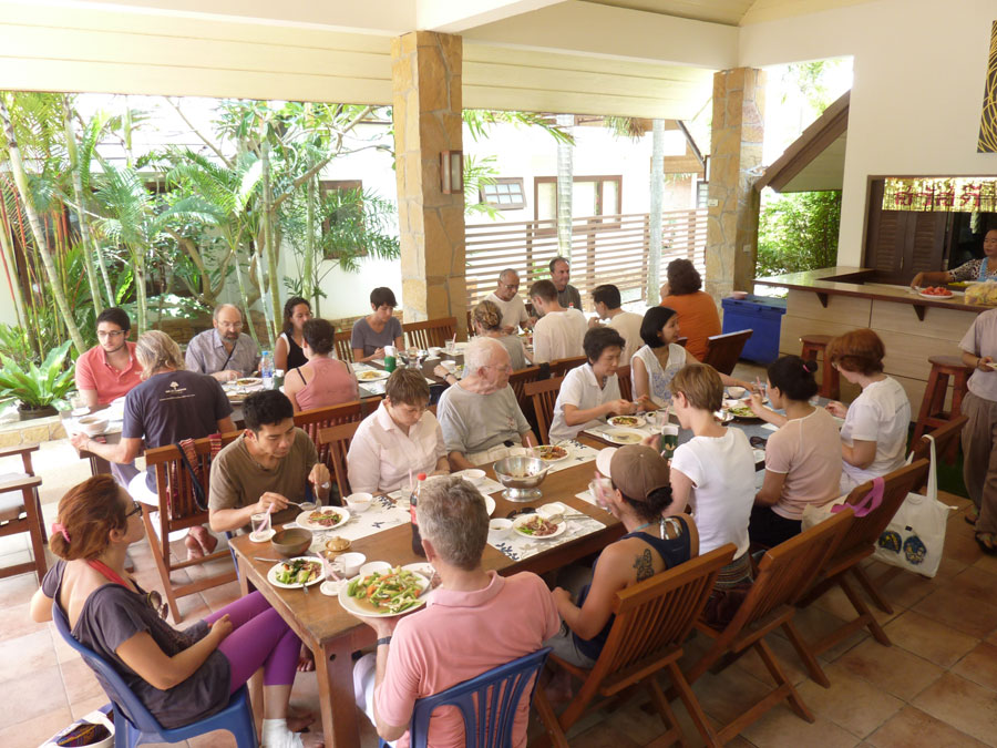Mindfulness vipassana meditation retreat rayong little for Group lunch