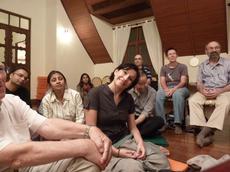 Bangkok group meets for dhamma talk