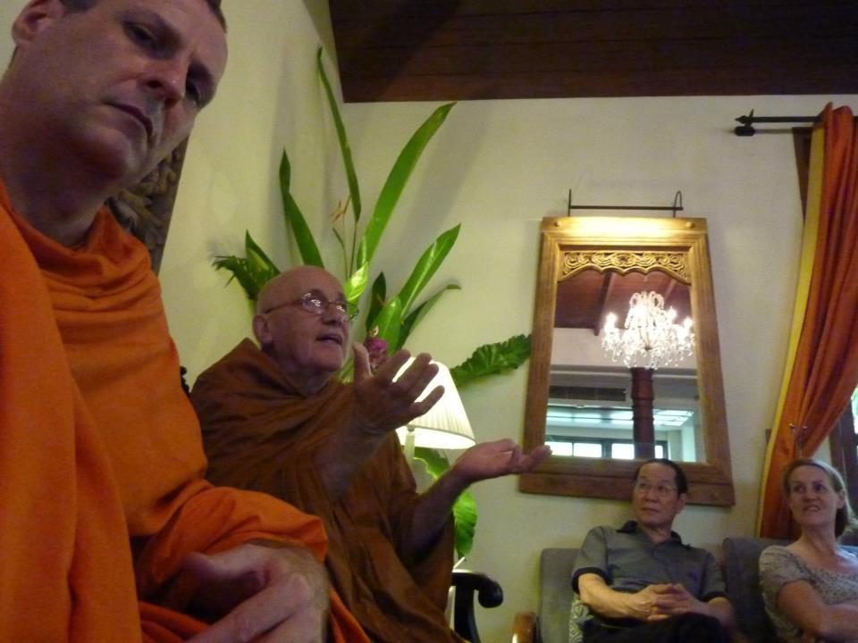 learn to meditate in Bangkok