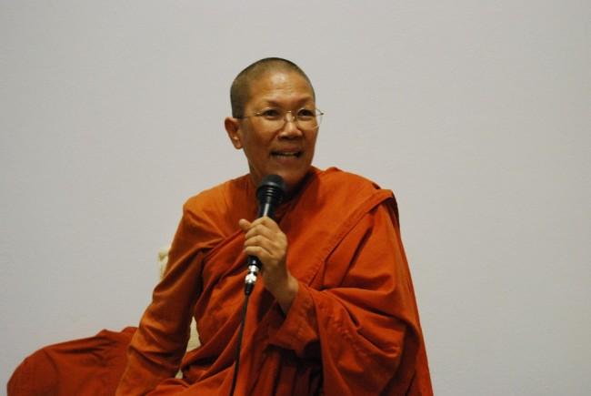 Bhikkhuni Dhammananda dhamma talk
