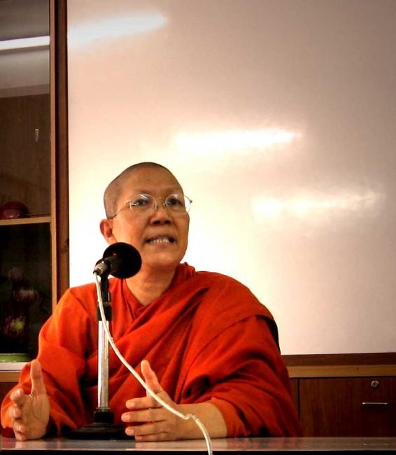 Visiting with Bhikkhuni Dhammananda